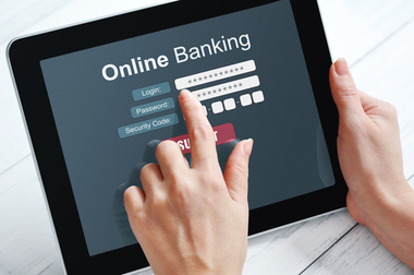 tablet banking_177915284-thumb-380xauto-2920